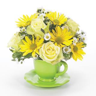 cup and saucer arrangement - Floral Design Ideas