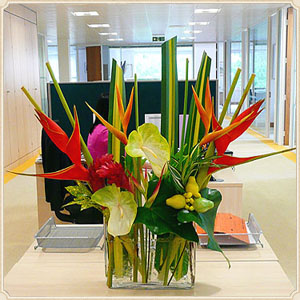 office floral arrangements. use floral designs in the office to increase productivity arrangements o